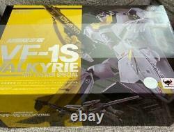 BANDAI DX Chogokin First Limited Edition VF-1S Valkyrie Roy Focker Macross